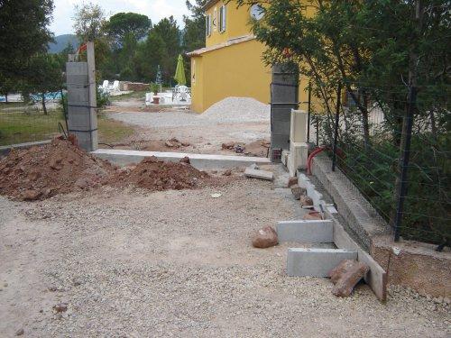 Installation du portail - Mur pour portail coulissant ...