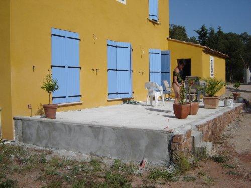 Construction de la terrasse page 2 - Couler une terrasse contre une maison ...
